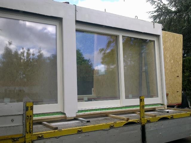 Fasi di montaggio di una casa in legno multiplo studio for Costruire in fasi piani di casa