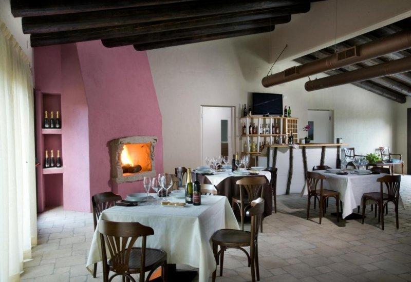 041_liscia_ristorante-_interno_4825